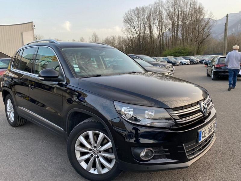 Photo 2 de l'offre de VOLKSWAGEN TIGUAN 2.0 TDI 110CH BLUEMOTION TECHNOLOGY FAP SPORTLINE à 15490€ chez Help car