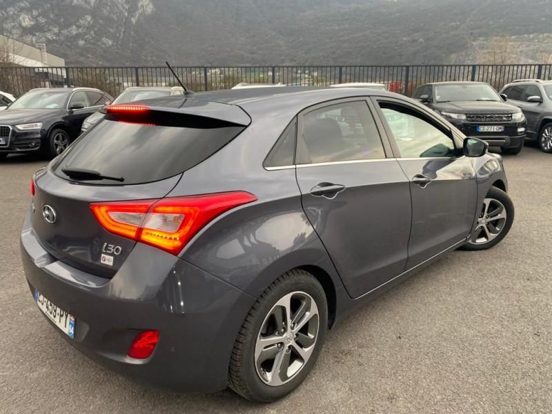 Photo 3 de l'offre de HYUNDAI I30 1.6 CRDI 110CH BUSINESS à 9490€ chez Help car