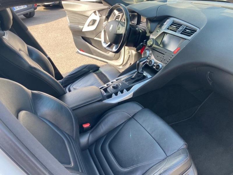 Photo 3 de l'offre de CITROEN DS5 2.0 HDI160 SPORT CHIC BA à 10990€ chez Help car