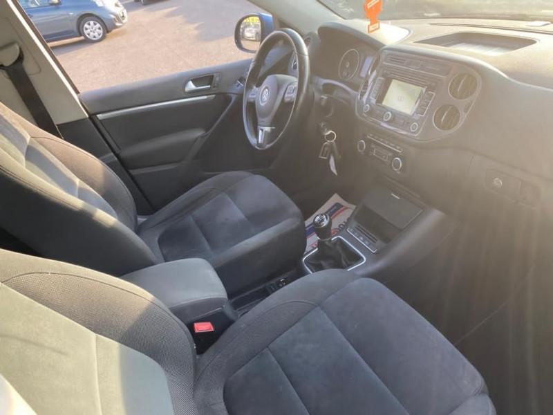 Photo 2 de l'offre de VOLKSWAGEN TIGUAN 2.0 TDI 140CH BLUEMOTION TECHNOLOGY FAP CARAT à 10990€ chez Help car
