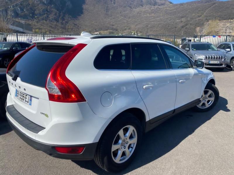 Photo 3 de l'offre de VOLVO XC60 D3 163CH DRIVE MOMENTUM à 13490€ chez Help car