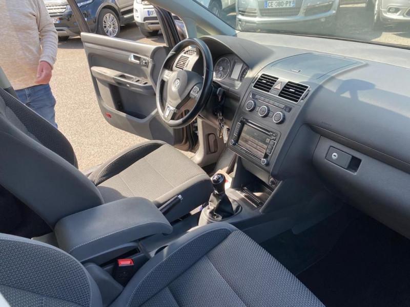 Photo 3 de l'offre de VOLKSWAGEN TOURAN 1.6 TDI 105CH BLUEMOTION TECHNOLOGY FAP CONFORTLINE à 9990€ chez Help car