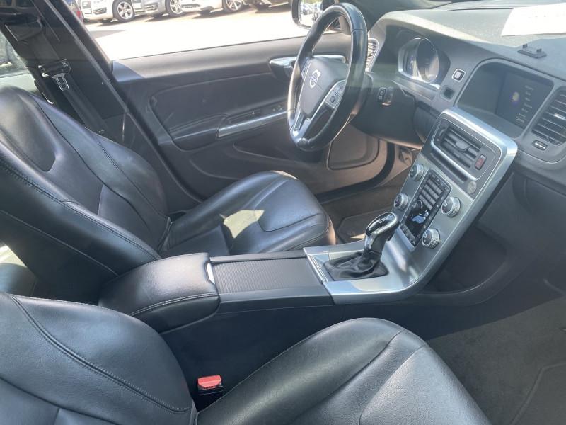 Photo 4 de l'offre de VOLVO V60 CROSS COUNTRY D4 AWD 190CH SUMMUM GEARTRONIC à 19990€ chez Help car