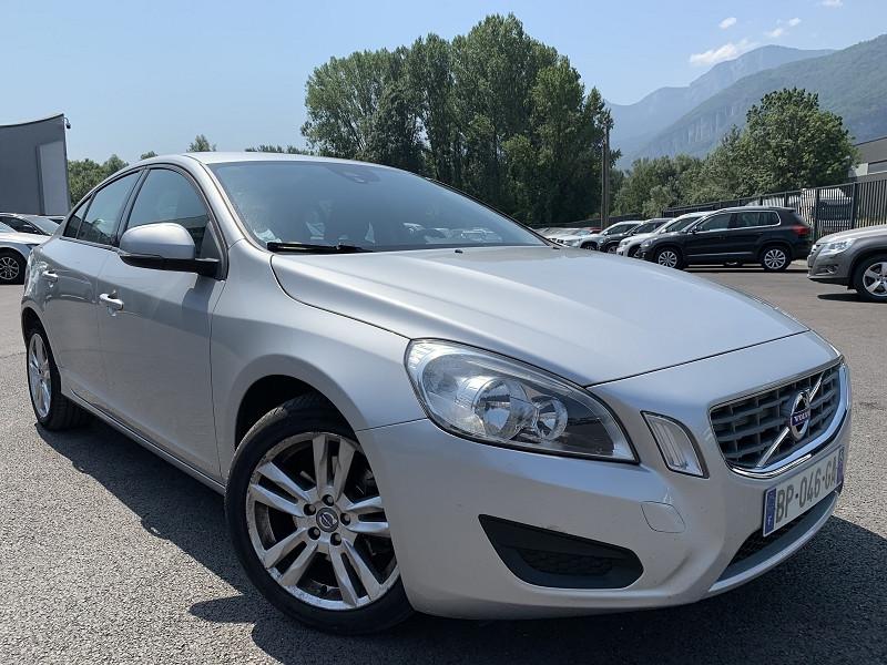 Photo 2 de l'offre de VOLVO S60 DRIVE 115CH START&STOP SUMMUM à 7490€ chez Help car