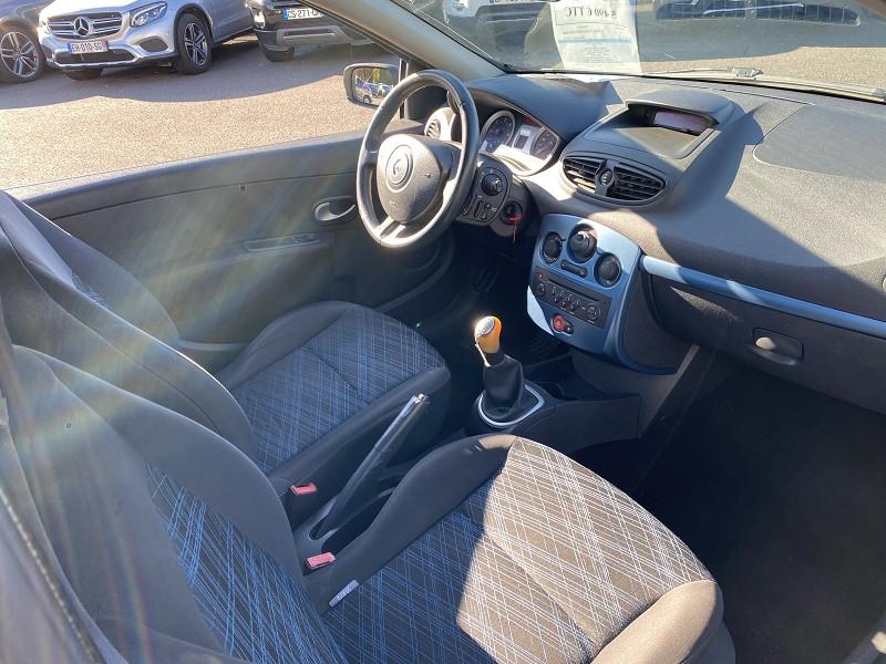 Photo 2 de l'offre de RENAULT CLIO III 1.5 DCI 70CH EXTRÊME 3P à 4990€ chez Help car