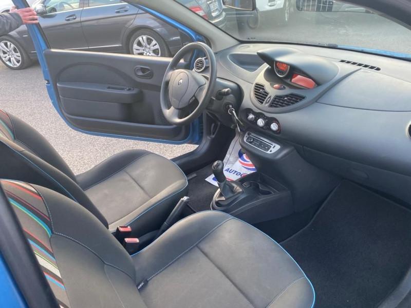 Photo 4 de l'offre de RENAULT TWINGO II 1.5 DCI 75CH AUTHENTIQUE ECO² à 5990€ chez Help car