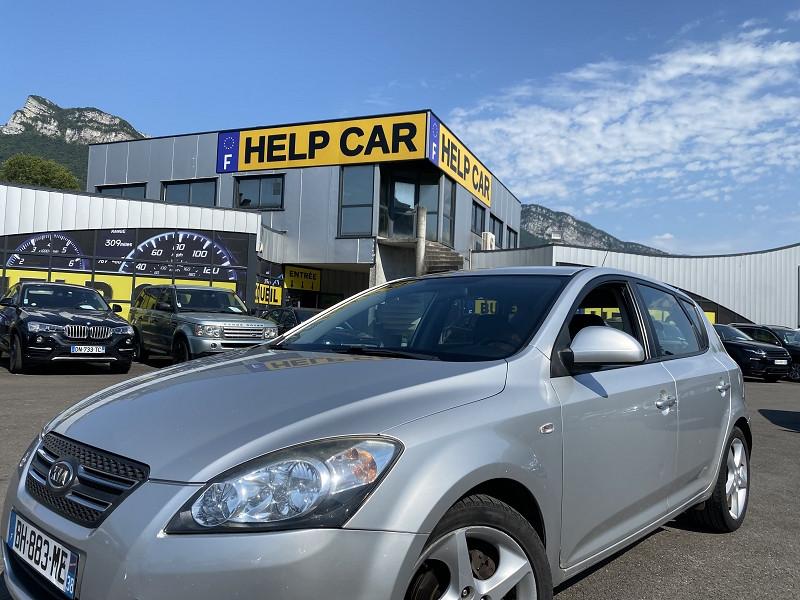 Photo 1 de l'offre de KIA CEE'D 1.6 CRDI115 ACTIVE 5P à 5490€ chez Help car