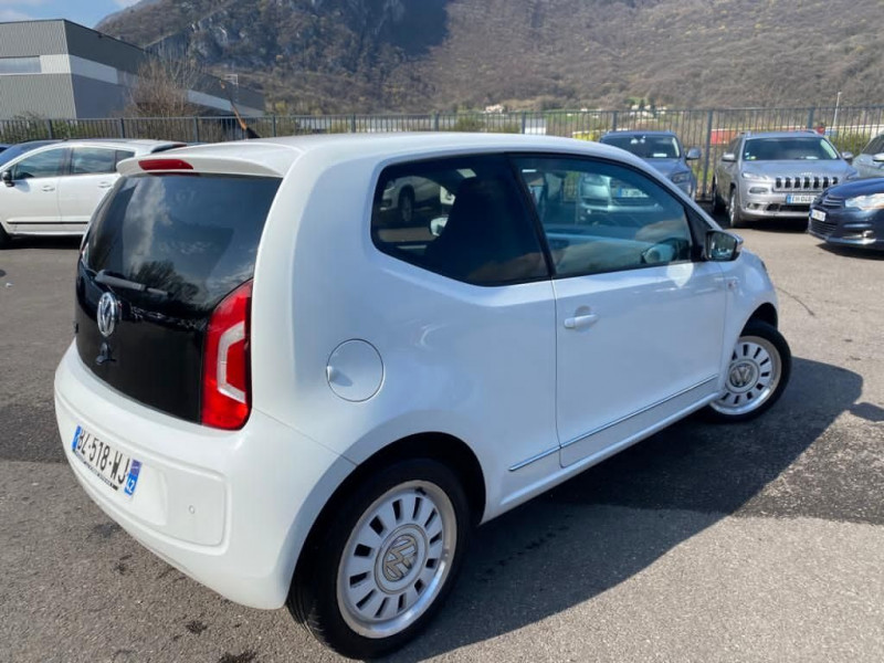 Photo 3 de l'offre de VOLKSWAGEN UP! 1.0 75CH WHITE UP! 3P à 4990€ chez Help car