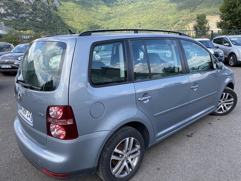 Photo 2 de l'offre de VOLKSWAGEN TOURAN 1.9 TDI 105CH CONFORTLINE à 7490€ chez Help car