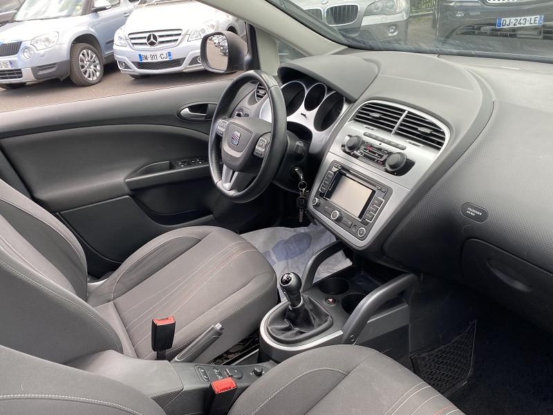 Photo 2 de l'offre de SEAT ALTEA XL 1.6 TDI 105 FAP STYLE COPA ECOMOTIVE à 6490€ chez Help car
