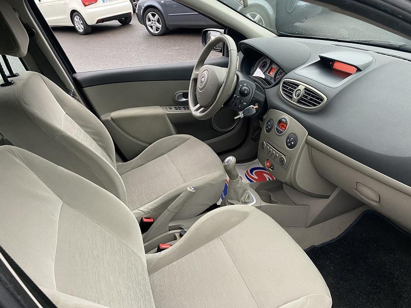 Photo 4 de l'offre de RENAULT CLIO III 1.2 TCE 100CH PRIVILEGE 5P à 6990€ chez Help car