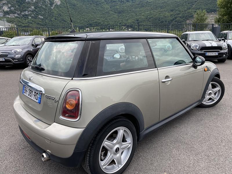 Photo 3 de l'offre de MINI MINI COOPER D 110CH PACK CHILI à 7990€ chez Help car