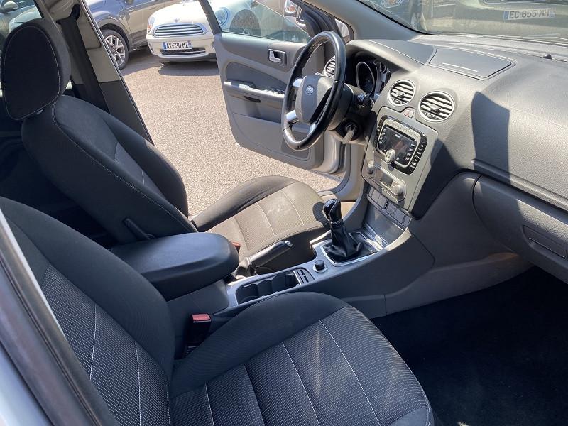 Photo 2 de l'offre de FORD FOCUS 1.8 TDCI 115CH TREND 5P à 5990€ chez Help car