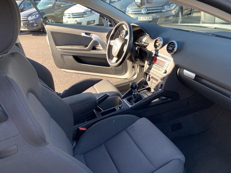 Photo 3 de l'offre de AUDI A3 1.6 TDI 105CH DPF AMBITION 3P à 8490€ chez Help car