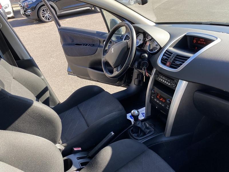 Photo 3 de l'offre de PEUGEOT 207 1.6 VTI 16V FELINE 5P à 6490€ chez Help car