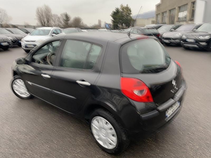 Photo 2 de l'offre de RENAULT CLIO III 1.2 TCE 100CH PRIVILEGE 5P à 6990€ chez Help car