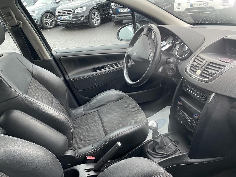 Photo 2 de l'offre de PEUGEOT 207 1.6 HDI110 FELINE FAP 5P à 5990€ chez Help car