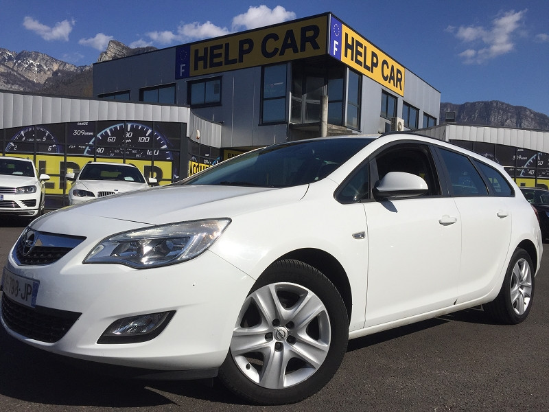 Photo 1 de l'offre de OPEL ASTRA SPORTS TOURER 1.7 CDTI110 FAP ENJOY à 6990€ chez Help car