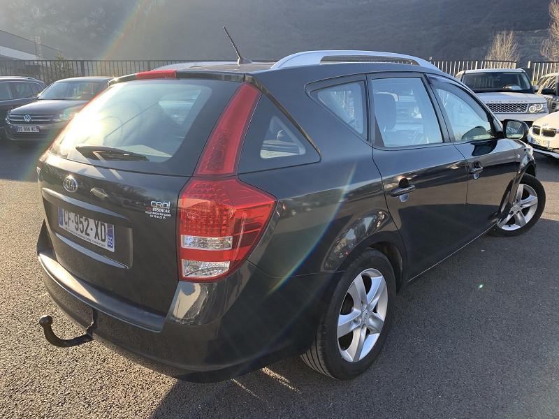 Photo 3 de l'offre de KIA CEE'D SW 1.4 CRDI 90CH STYLE à 5490€ chez Help car