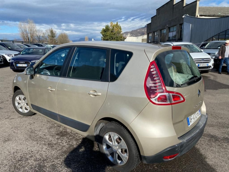 Photo 2 de l'offre de RENAULT SCENIC III 1.5 DCI 110CH FAP BUSINESS à 5490€ chez Help car