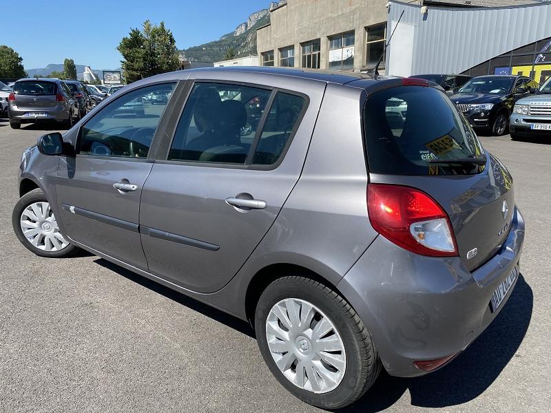 Photo 2 de l'offre de RENAULT CLIO 1.5 DCI 70CH AUTHENTIQUE 5P à 5990€ chez Help car
