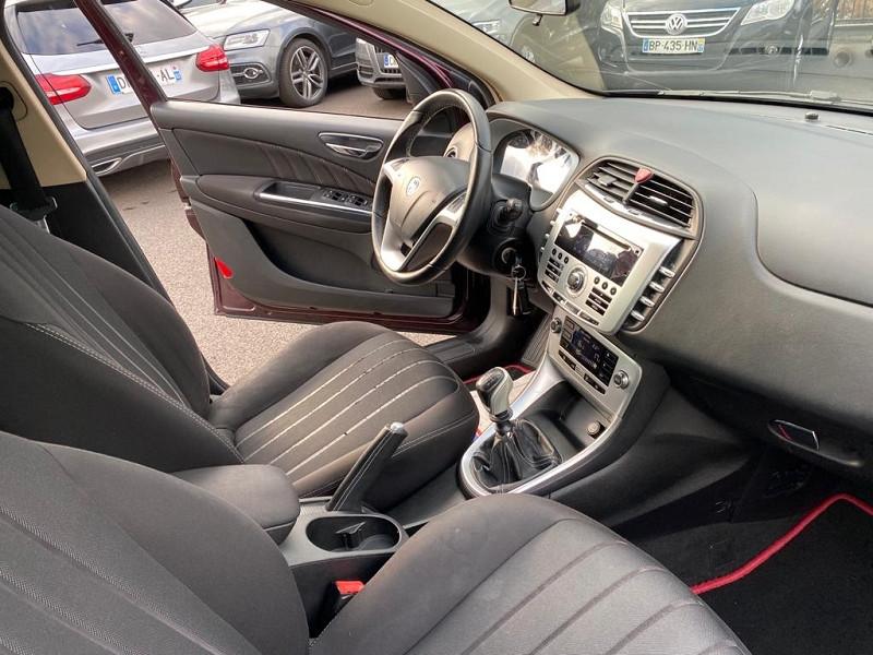 Photo 3 de l'offre de LANCIA DELTA 1.4 16V T-JET 120 ORO à 6490€ chez Help car