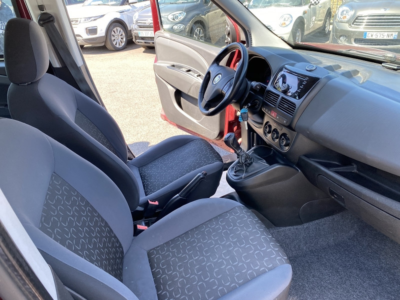 Photo 4 de l'offre de FIAT DOBLO 1.3 MULTIJET 16V 90CH DPF S&S PANORAMA à 5990€ chez Help car