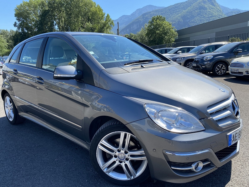 Photo 2 de l'offre de MERCEDES-BENZ CLASSE B (T245) 180 CDI DESIGN à 5990€ chez Help car