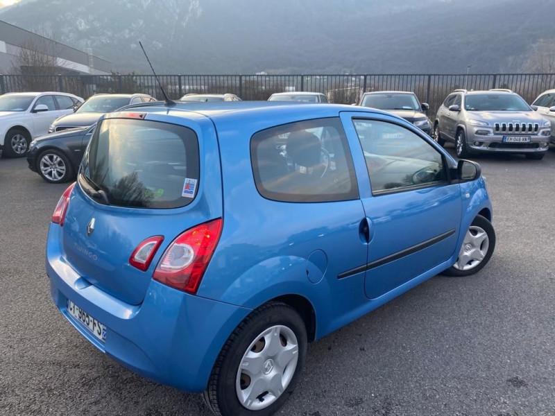 Photo 3 de l'offre de RENAULT TWINGO II 1.5 DCI 75CH AUTHENTIQUE ECO² à 5990€ chez Help car