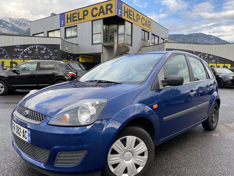 Photo 1 de l'offre de FORD FIESTA 1.4 TDCI 68CH GHIA 5P à 5990€ chez Help car
