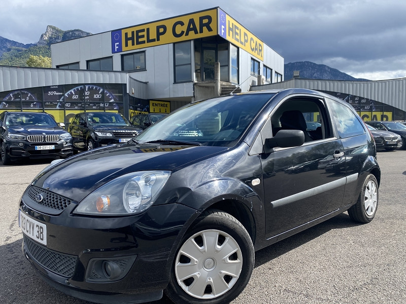 Photo 1 de l'offre de FORD FIESTA 1.2 75CH FUN 3P à 4490€ chez Help car