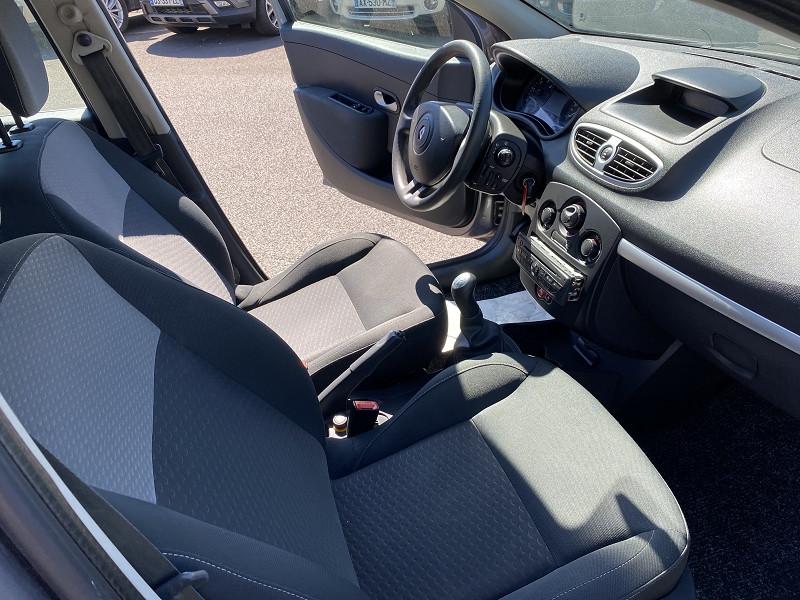 Photo 3 de l'offre de RENAULT CLIO 1.5 DCI 70CH AUTHENTIQUE 5P à 5990€ chez Help car