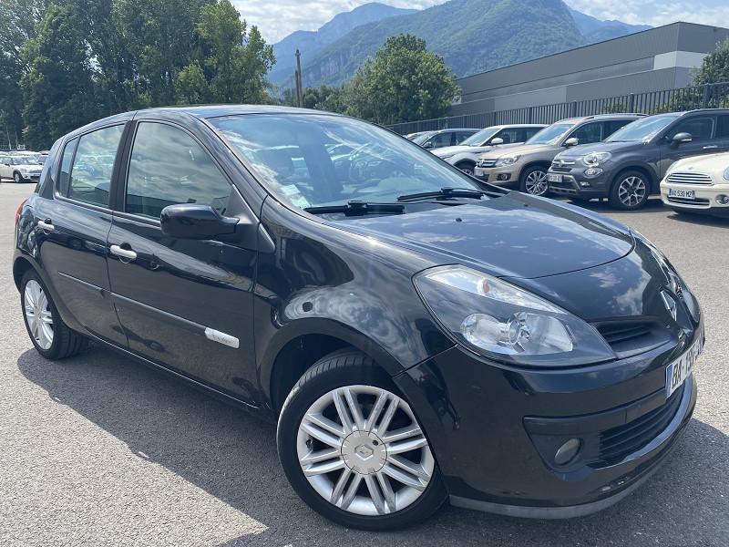 Photo 2 de l'offre de RENAULT CLIO III 1.6 16V 110CH INITIALE 5P à 6490€ chez Help car