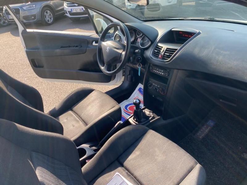 Photo 4 de l'offre de PEUGEOT 207 1.4 HDI 70 FAP PACK CD CLIM à 3990€ chez Help car