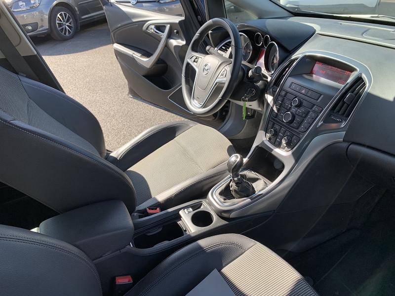 Photo 2 de l'offre de OPEL ASTRA SPORTS TOURER 1.7 CDTI125 FAP COSMO à 5990€ chez Help car