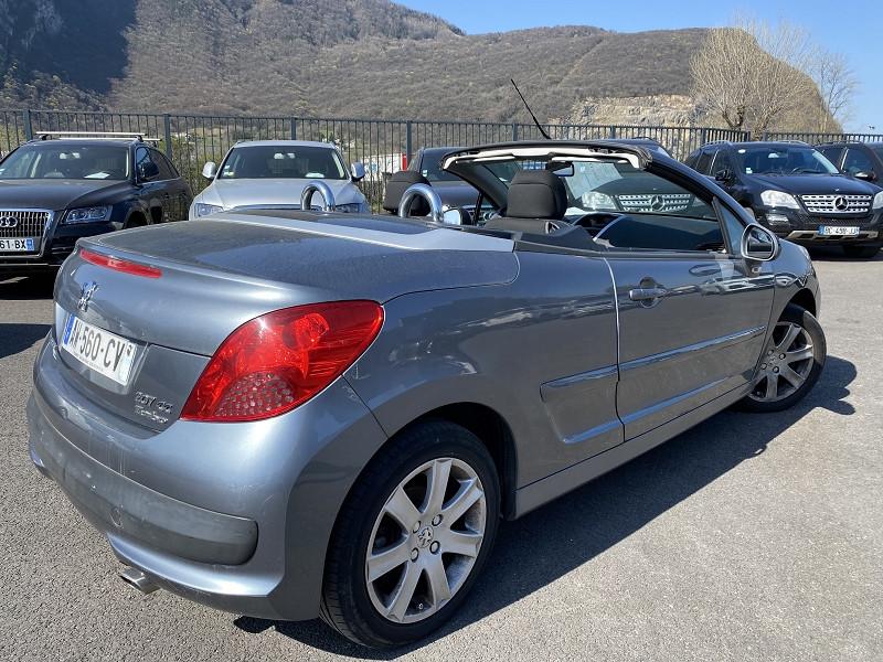 Photo 2 de l'offre de PEUGEOT 207 CC 1.6 HDI110 FAP SPORT à 5990€ chez Help car