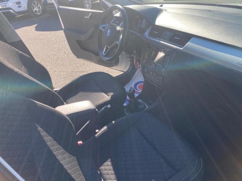 Photo 4 de l'offre de SKODA RAPID 1.6 TDI 105CH CR FAP GREENTEC EDITION à 8990€ chez Help car