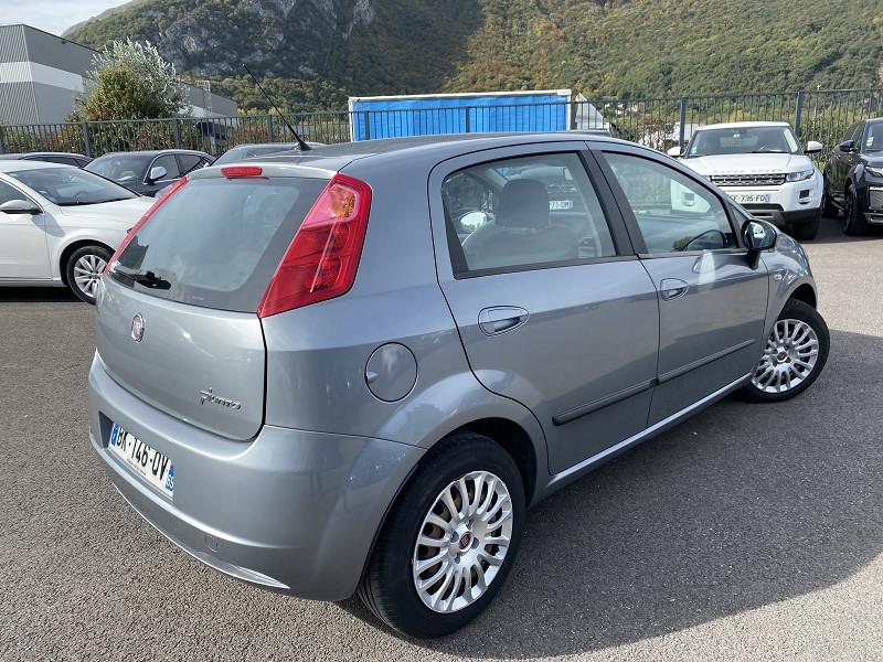Photo 2 de l'offre de FIAT GRANDE PUNTO 1.2 8V 65CH DYNAMIC 5P à 6490€ chez Help car