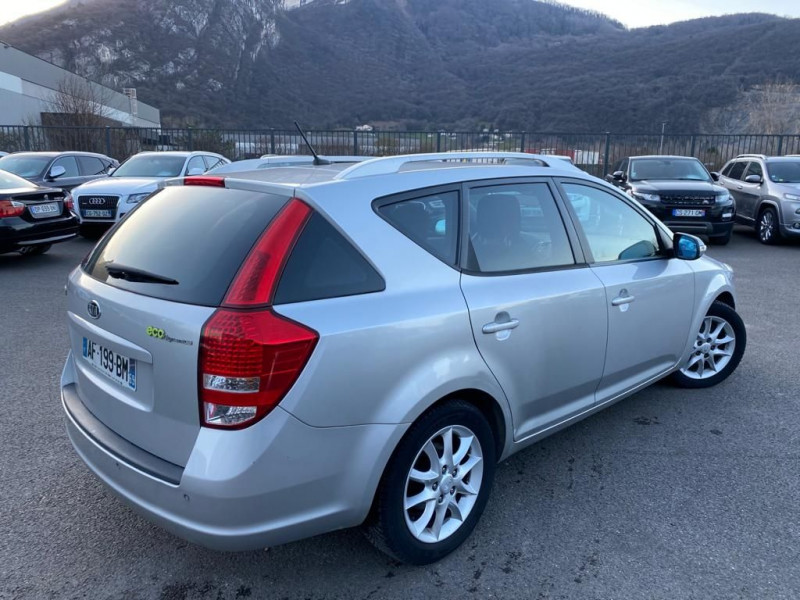 Photo 3 de l'offre de KIA CEE'D 1.6 CRDI115 ACTIVE à 5490€ chez Help car