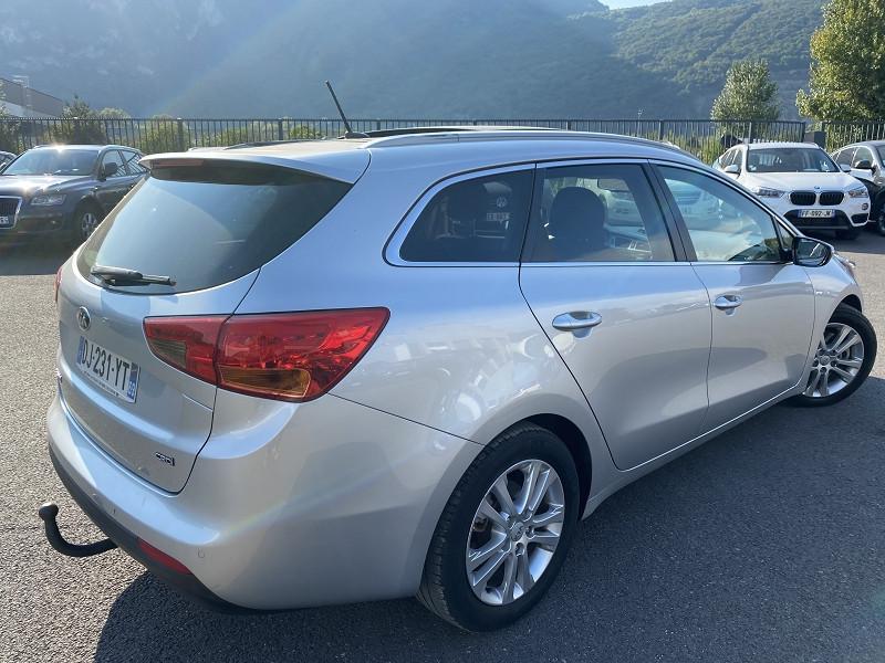 Photo 2 de l'offre de KIA CEE'D SW 1.6 CRDI 128CH ACTIVE à 11490€ chez Help car