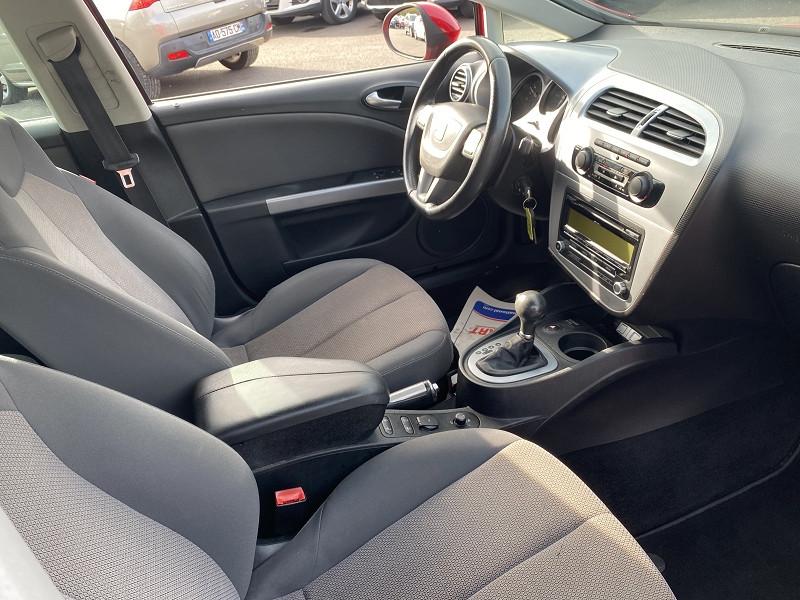 Photo 3 de l'offre de SEAT LEON 2.0 TDI140 CR FAP SPORT DSG à 5990€ chez Help car