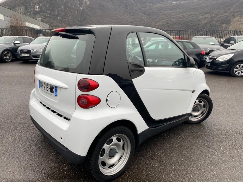 Photo 3 de l'offre de SMART FORTWO COUPE 61CH MHD PURE à 5490€ chez Help car