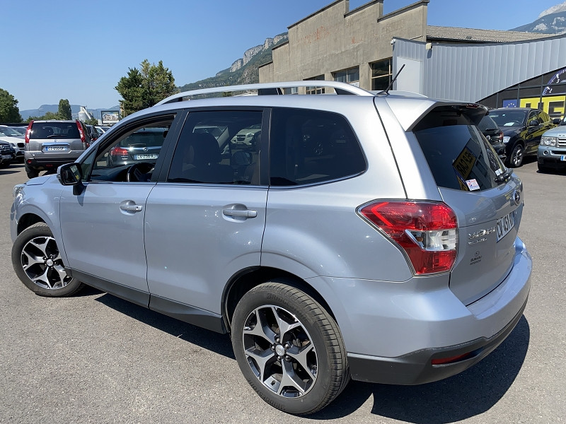 Photo 3 de l'offre de SUBARU FORESTER 2.0D 147 LUXURY PACK à 12490€ chez Help car