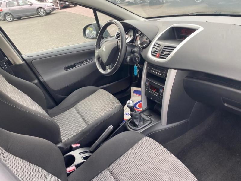 Photo 3 de l'offre de PEUGEOT 207 1.6 HDI90 ACTIVE 5P à 5490€ chez Help car