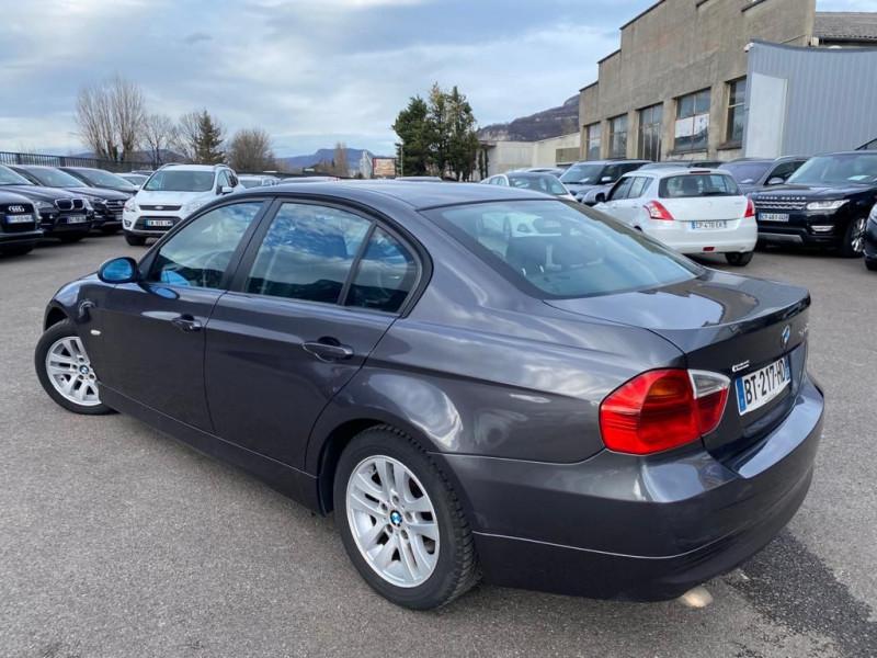 Photo 2 de l'offre de BMW SERIE 3 (E90) 320DA 163CH LUXE à 8990€ chez Help car