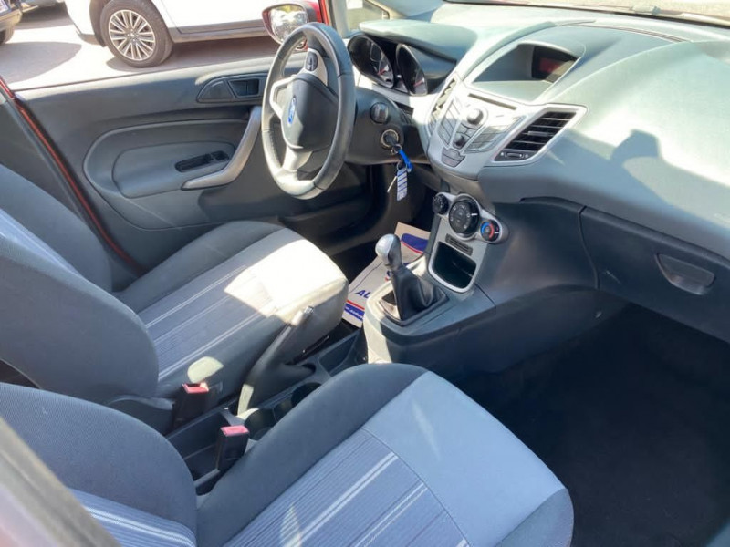 Photo 3 de l'offre de FORD FIESTA 1.4 TDCI 68CH AMBIENTE 5P à 4990€ chez Help car