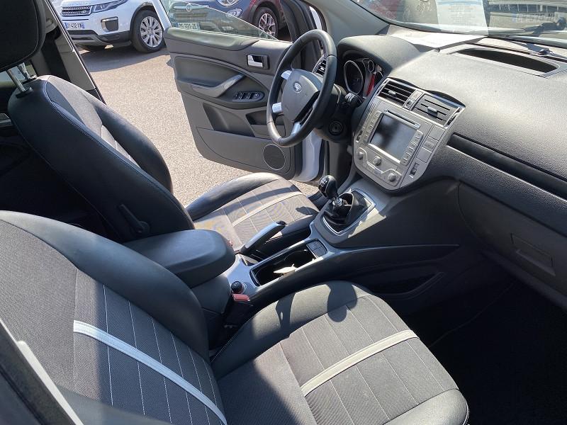 Photo 4 de l'offre de FORD KUGA 2.0 TDCI 140CH FAP TITANIUM 4X2 à 8490€ chez Help car