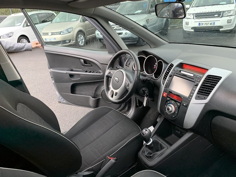 Photo 4 de l'offre de KIA VENGA 1.6 CRDI115 FAP GRANDE VITA à 7490€ chez Help car
