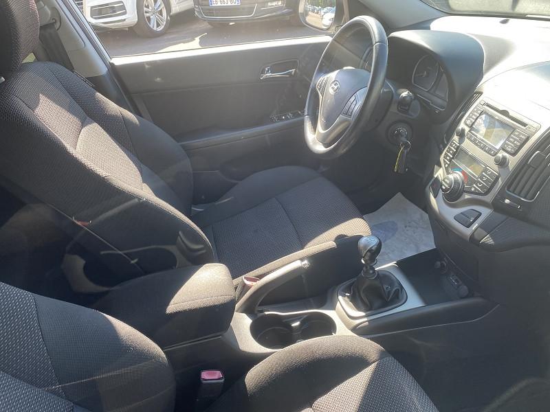 Photo 3 de l'offre de HYUNDAI I30 1.6 CRDI115 PACK SENSATION BLUEDRIVE 5P à 6990€ chez Help car