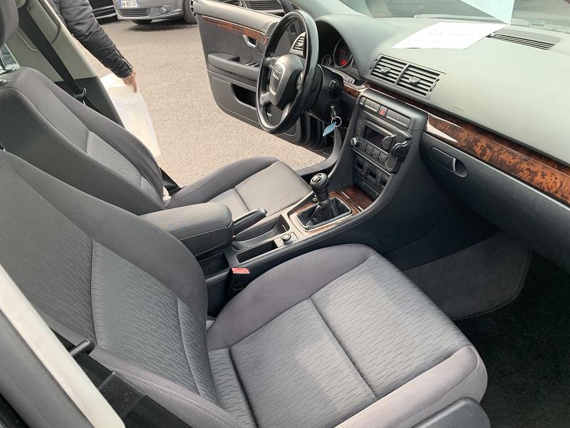 Photo 3 de l'offre de AUDI A4 2.0 TDI 140CH AMBITION à 4990€ chez Help car